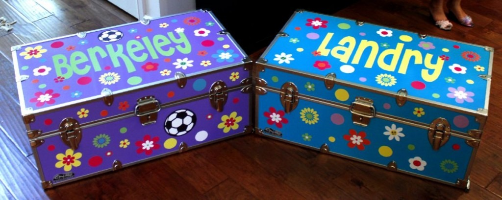 Make matching personalized summer camp trunk sets!